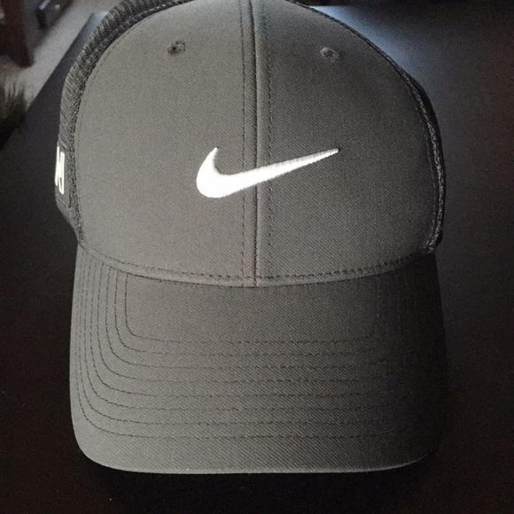 a98b3c89ca5 Nike Vapor RZN flexfit golf hat NEW. M 5a440c732c705d60490a2854